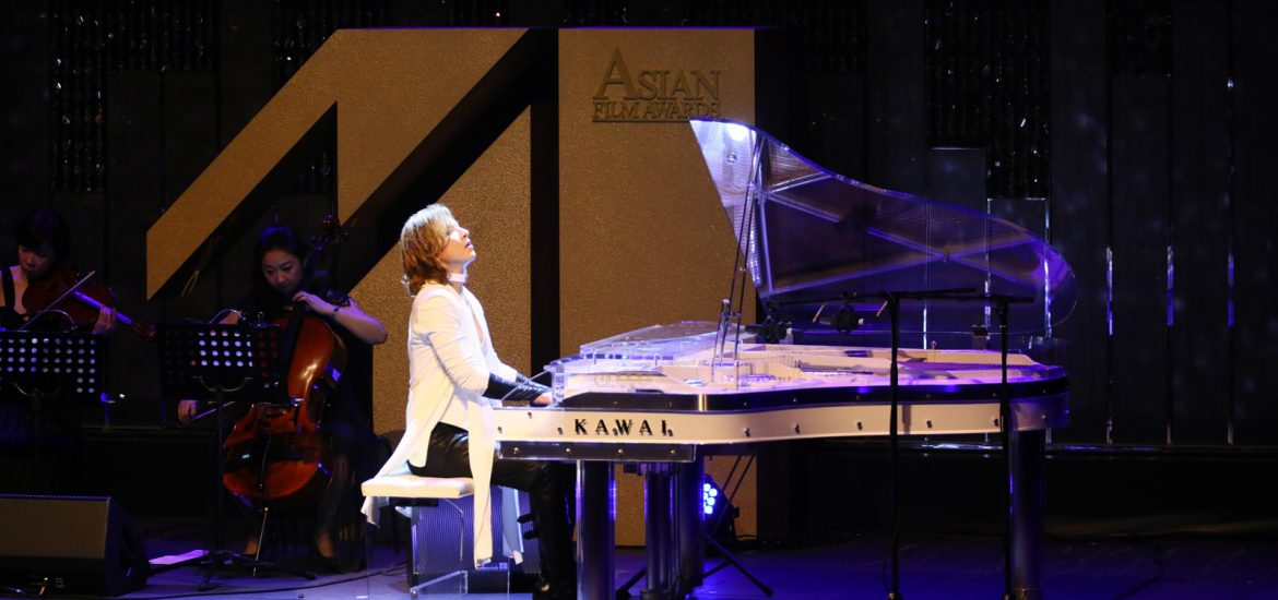 Yoshiki Performs Art of Life at Hong Kong's Asian Film Awards
