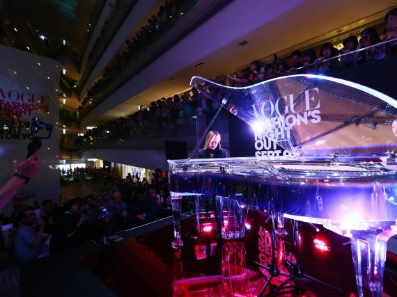 Yoshiki makes surprise appearance at Vogue Fashion's Night Out 2017