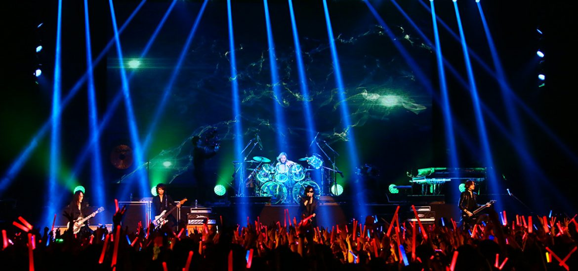 YOSHIKI returns to drums for 10th Anniversary of X JAPAN's reunion